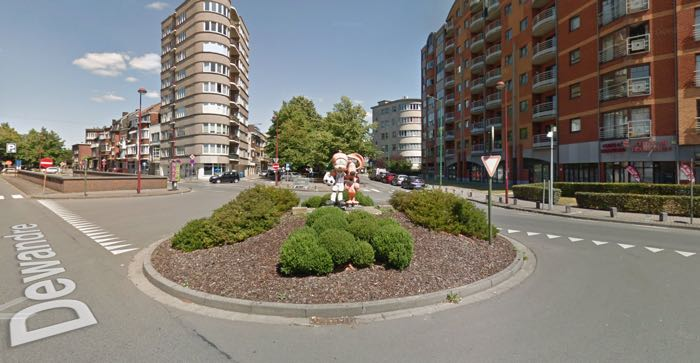 Jean Roba's Boule et Bill get statues in Charleroi in a traffic circle.