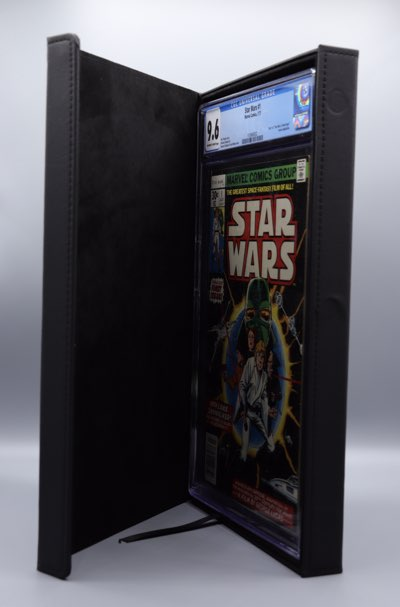 a folio case that holds one cgc comic